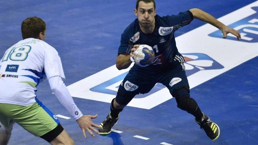 L'ailier de l'équipe de France de handball Mickaël Guigou face à la Slovénie en match de préparation au Mondial, le 6 janvier 2017 à Toulouse