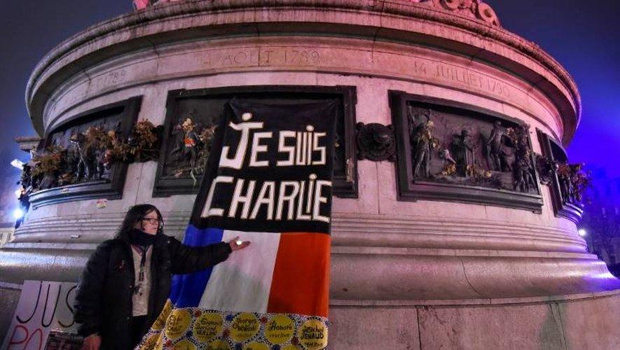 Rassemblement place de la République à Paris, le 7 janvier 2017, en hommage aux victimes de l'attentat de Charlie Hebdo deux ans plus tôt