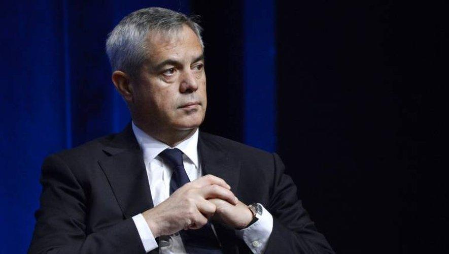 Pris en photo le 13 octobre 2015 à Paris, le patron du renseignement intérieur Patrick Calvar, nommé sous la gauche en 2012 et qui a dû faire face à la série d'attentats ayant fait 238 morts depuis janvier 2015.