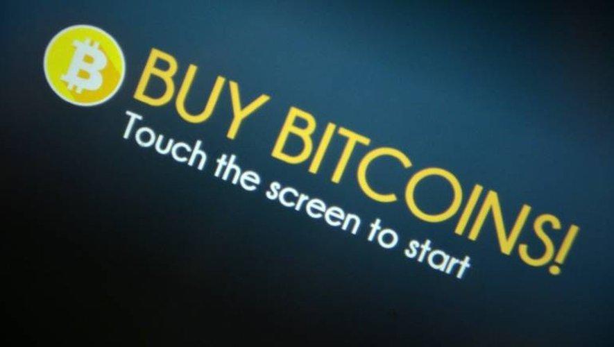 Le bitcoin profite notamment de l'affaiblissement des devises traditionnelles face au dollar