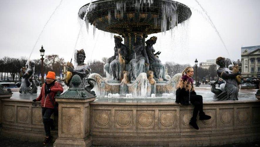 La Fontaine des Mers gelée le 1er janvier 2015 place de la Concorde à Paris