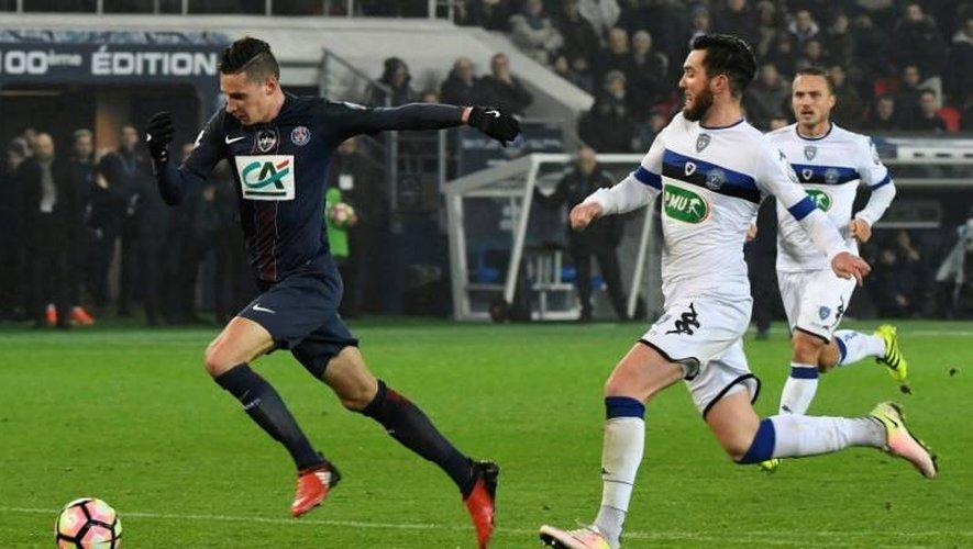 La recrue du PSG Julian Draxler (g) lors du match de Coupe de France face à Bastia, le 7 janvier 2017 au Parc des Princes