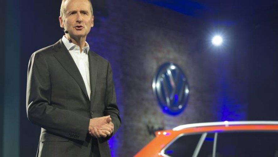Le patron de Volkswagen, Herbert Diess, s'exprime à la veille de l'ouverture du salon international de l'automobile à Détroit (Michigan), le 8 janvier 2017