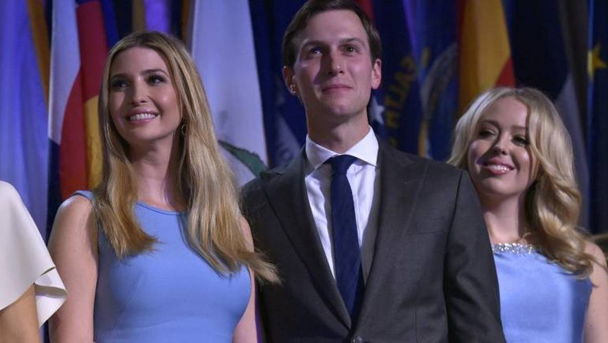 Ivanka Trump (G), son époux Jared Kushner et Tiffany Trump le 9 novembre 2016 à New York