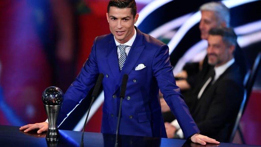 Cristiano Ronaldo après avoir reçu le Prix Fifa du meilleur joueur de l'année 2016, le 9 janvier 2017 à Zurich
