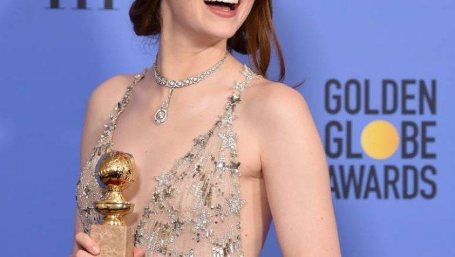 Emma Stone Golden Globe de la meilleure actrice dans une comédie, le 8 janvier 2017 à Beverly Hills en Californie
