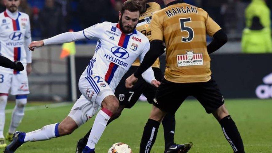 Lucas Tousart, ici lors du match de Lyon face à Angers.