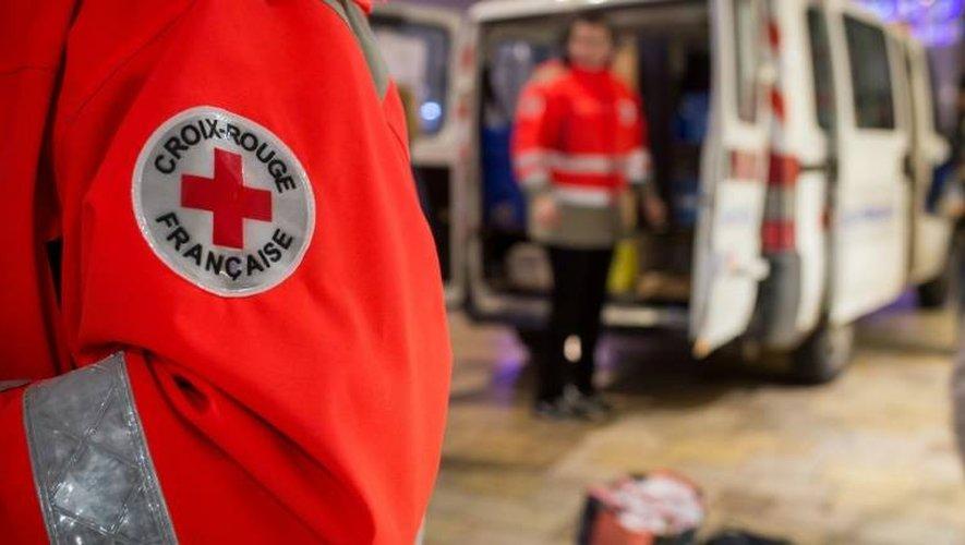 Des membres de la Croix-Rouge à Tours, le 22 décembre 2016