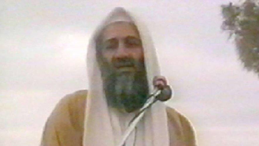 Capture d'écran non datée dans un lieu inderminé d'Oussama ben Laden