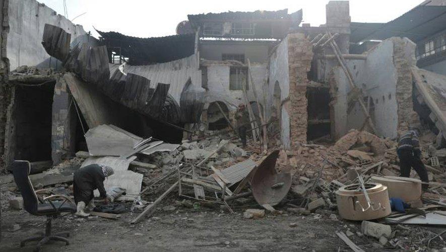 Une maison détruite dans la ville syrienne rebelle de Douma, près de Damas, le 30 décembre 2016