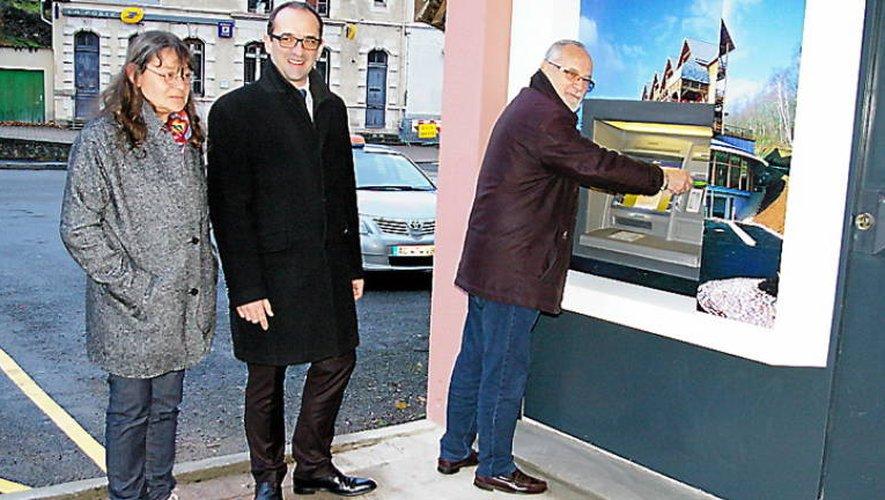 Le maire de la cité thermale a été le premier à en bénéficier.