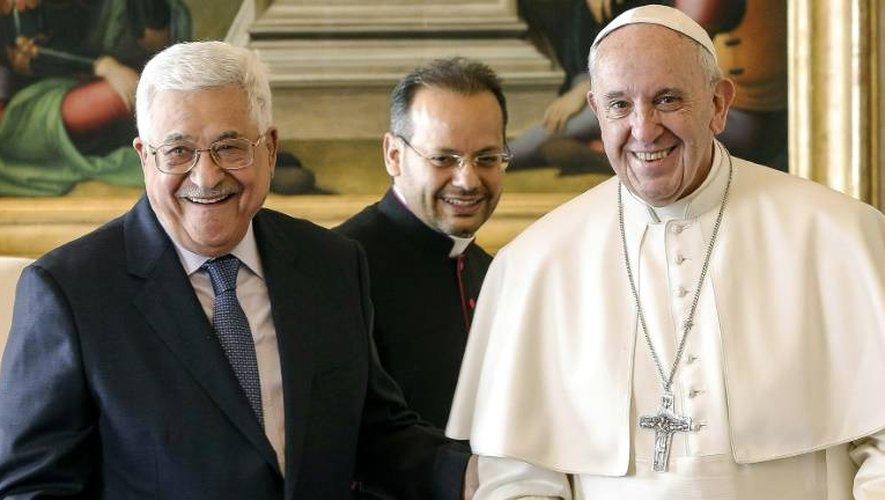 Le président palestinien Mahmoud Abbas et le pape François, le 14 janvier 2017 lors d'une audience privée au Vatican