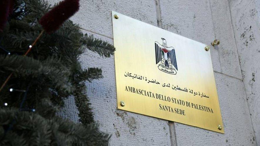 La plaque de l'ambassade palestinienne auprès du Saint-Siège, le 14 janvier 2017, lors de l'inauguration du site