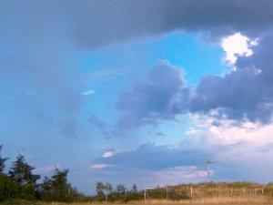 Les nuages gagneront la partie en cette fin de semaine.