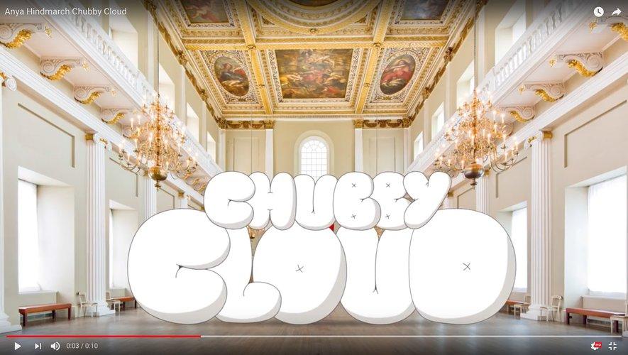 Le Chubby Cloud d'Anya Hindmarch sur youtube