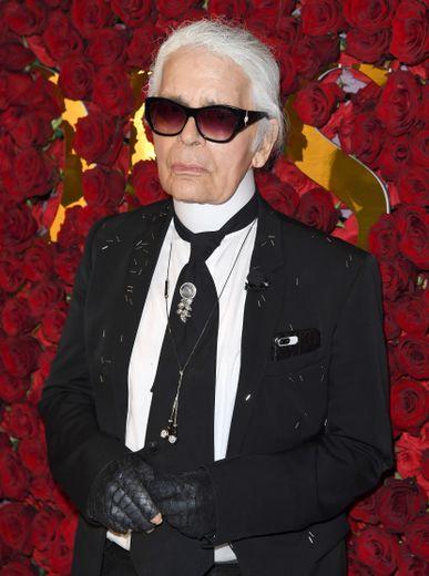 La marque Karl Lagerfeld s'associe à Puma le temps d'une capsule de prêt-à-porter et de sneakers dédiée à l'automne 2018.