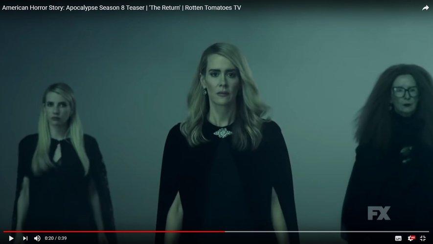 """Sarah Paulson (au centre) jonglera entre son rôle de Billie Dean Howard et Cordelia Foxx dans la prochaine saison de """"American Horror Story"""""""