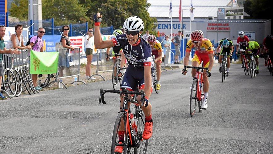 Arnaud Cascaro s'est montré le plus véloce dans le faux-plat montant conduisant à la ligne d'arrivée et a pris le meilleur sur ses compagnons du groupe de tête, parmi lesquels Alex Molin Pradel, vainqueur de l'édition 2018 du challenge.
