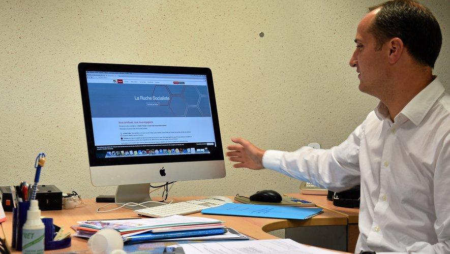Premier secrétaire fédéral du Parti socialiste en Aveyron, Bertrand Cavalerie encourage les personnes qui veulent donner leur avis sur les thématiques du PS à le faire sur la plateforme « La ruche socialiste».