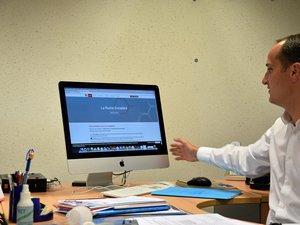 Premier secrétaire fédéral du Parti socialiste en Aveyron, Bertrand Cavalerie encourage les personnes qui veulent donner leur avis sur les thématiques du PS à le faire sur la plateforme « La ruche socialiste ».