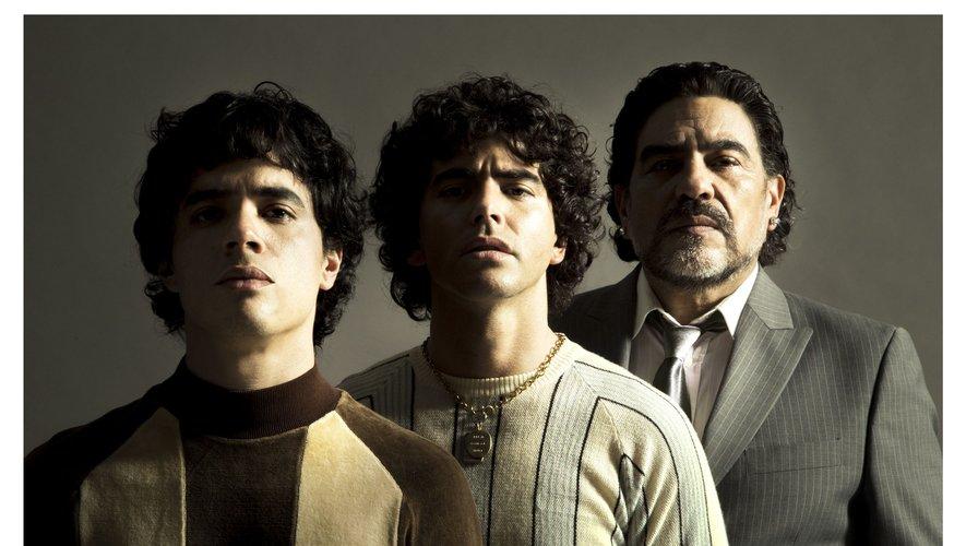 Amazon dévoile une première photo des trois acteurs qui incarneront Maradona dans sa série originale dédiée au footballeur argentin
