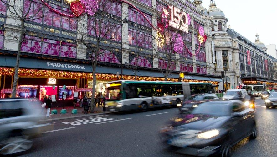 """Grands magasins : le Printemps mise sur la vente en ligne et vise les """"millennials"""""""