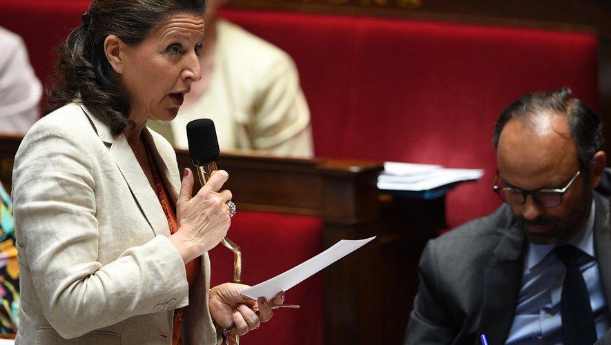 """La ministre de la Santé Agnès Buzyn a invité jeudi les patients qui prennent de l'Androcur """"à se rapprocher de leur généraliste"""" en raison des risques liés à ce médicament."""
