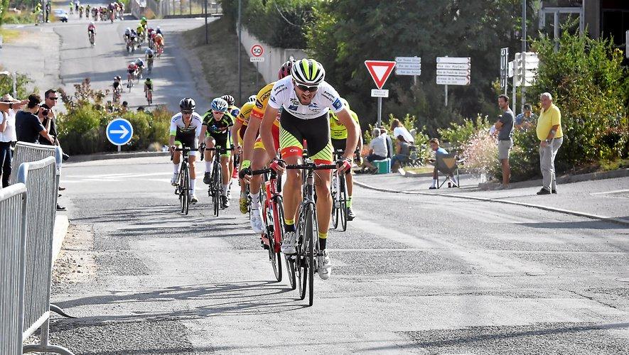 Promu en première catégorie demain, Alex MolinPradel va participerau Tour du Gévaudan, le 23 septembre, avec le club région Occitanie,puis à Paris-Tours espoirs, le 7 octobre, avec le comité d'Occitanie.