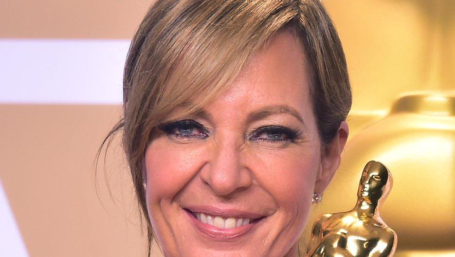 """Allison Janney a remporté l'Oscar de la meilleure actrice dans un second rôle pour sa prestation dans """"Moi, Tonya"""" avec Margot Robbie."""
