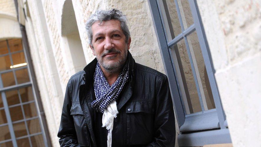 """Alain Chabat présente actuellement son jeu télévisé """"Burger Quiz"""" sur TMC."""