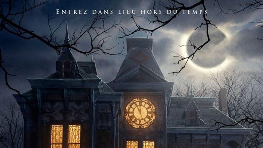 """""""La prophétie de l'horloge"""", tiré d'un livre sorti en 1973, raconte l'histoire d'un jeune garçon accueilli par son oncle facétieux, sorcier de son état, dans une maison étrange, qui recèle un secret."""