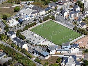 Le site du futur campus universitaire de Rodez, sur l'actuel emplacement de l'IUT, au premier plan, à proximité du stade Polonia, et de l'ancienne emprise de la piscine Tournesol, en bas et à droite de la photo. Alors qu'il fut question, un temps, de le supprimer, le stade Polonia sera maintenu en l'état.