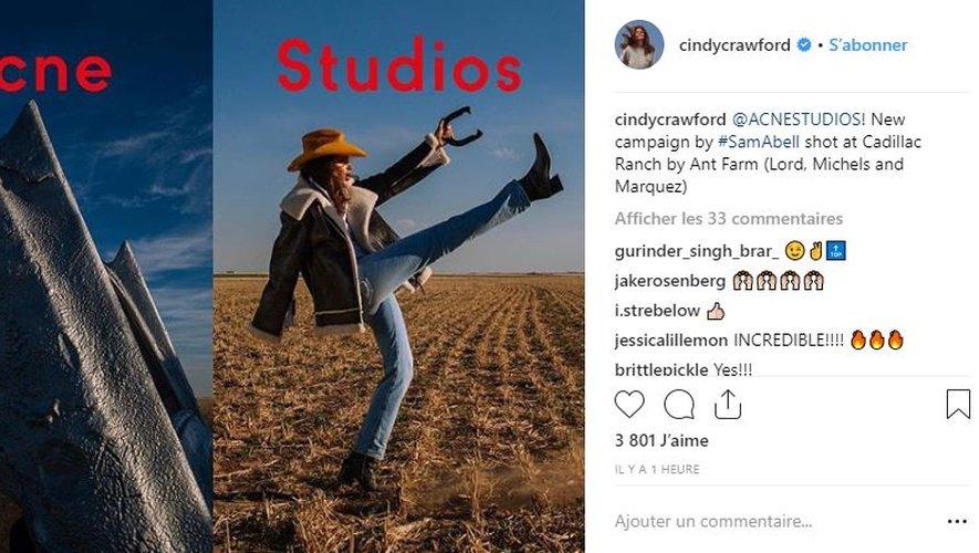 Cindy Crawford est le visage de la nouvelle campagne d'Acne Studios.