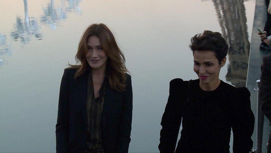Carla Bruni et Farida Khelfa au défilé Saint Laurent - Printemps-été 2019 - Paris, le 25 septembre 2018.