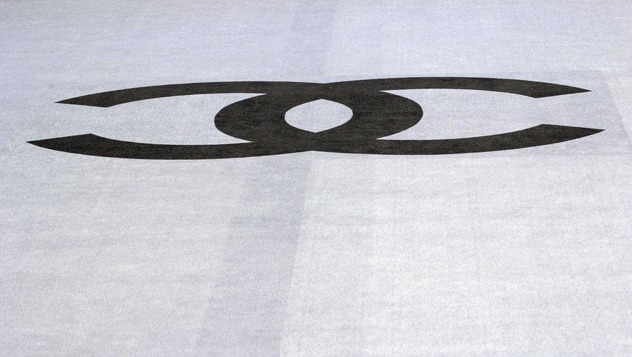 Chanel annonce le rachat de la griffe britannique Orlebar Brown, spécialisée dans les shorts de bain haut de gamme pour homme.