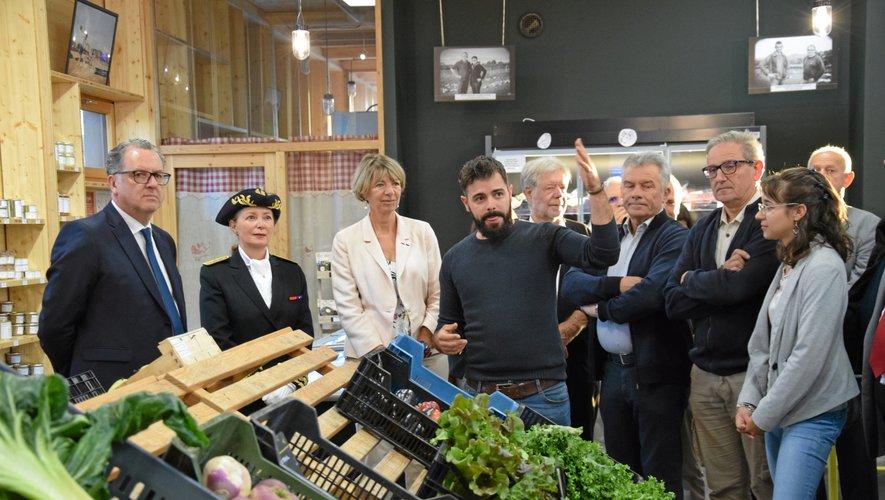 Richard Ferrand était en visite au coeur de l'entreprise Terre Segala ce matin, à Naucelle.