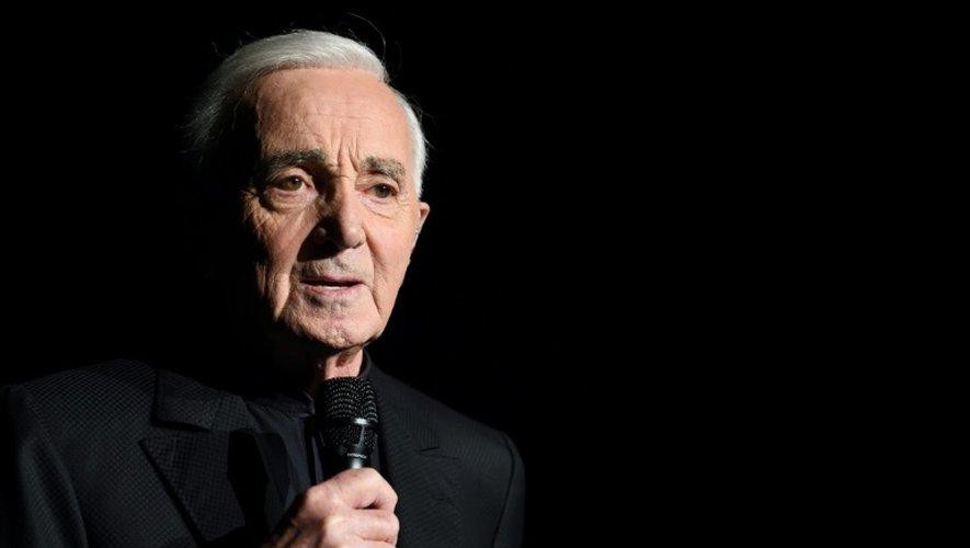 Le chanteur Charles Aznavour en concert à Bercy à Paris, le 13 décembre 2017.
