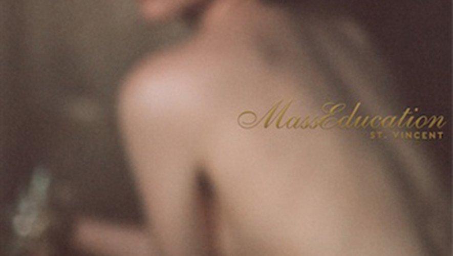 """""""MassEducation"""" par St. Vincent"""