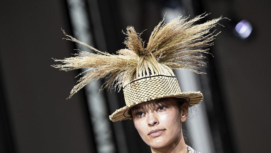 Le chapeau de paille d'Issey Miyake. Paris, le 28 septembre 2018.