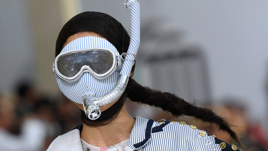 Le masque & tuba de Thom Browne. Paris, le 30 septembre 2018.