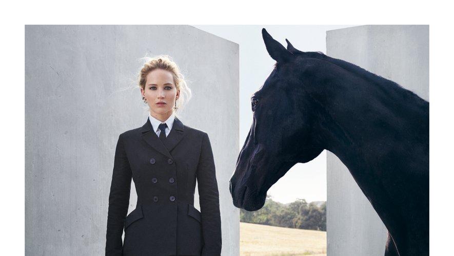 Jennifer Lawrence incarne la collection Croisière 2019 de Dior.