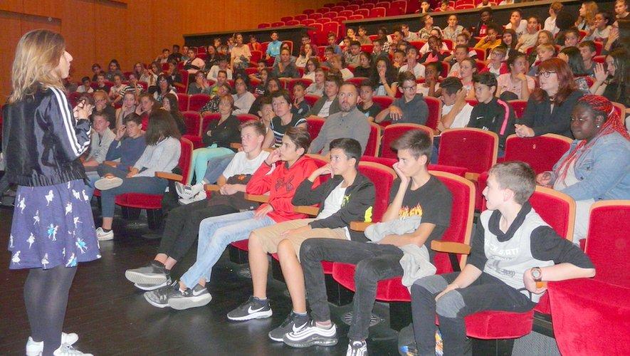 Les jeunes spectateurs avec Justine Heynemann
