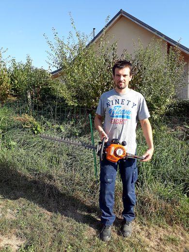 Thierry Regourd a créé son autoentreprise de jardinage et bricolage.