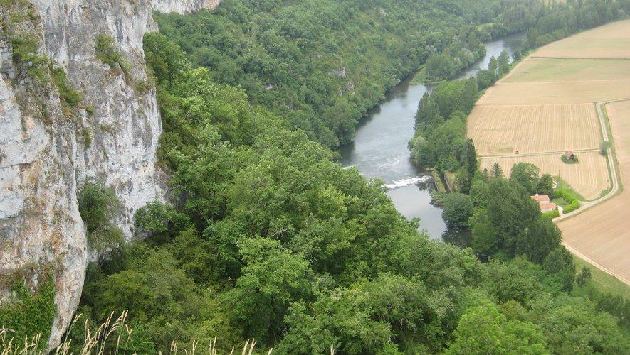 Les falaises du Saut-de-la-Mouline.