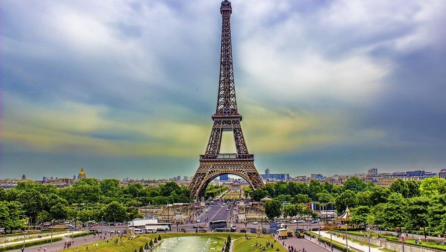 """""""France Mon Amour"""" a été fondée par Henry Han et Frédéric Lepage, auteur du premier guide de la France spécialement dédié aux touristes chinois."""