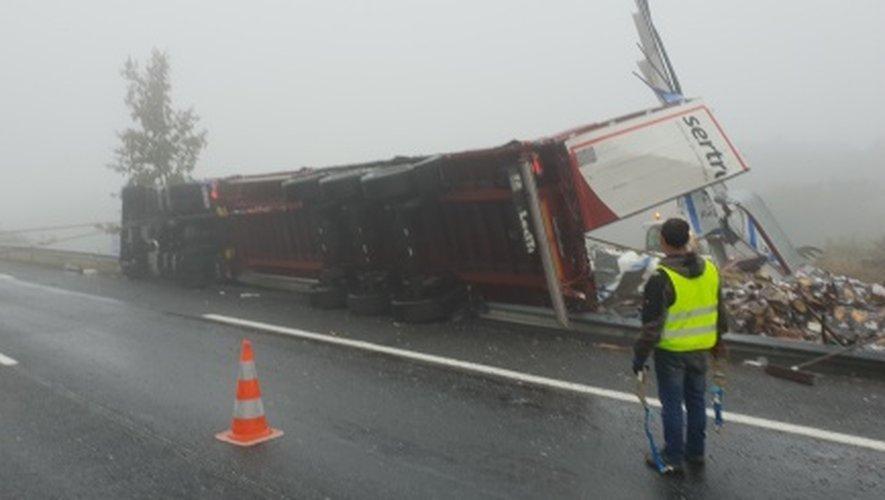Sud-Aveyron : impressionnant accident d'un poids-lourd sur l'A75