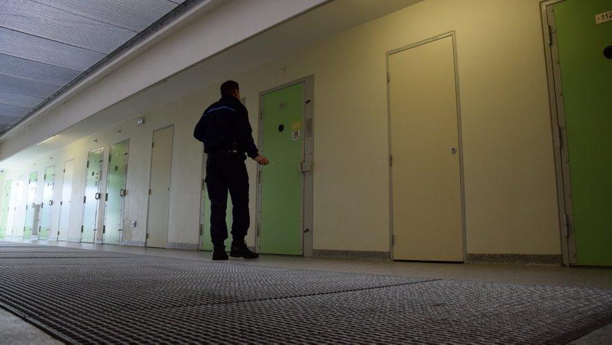 Ils extorquent un couple avec violence à Centrès : un an de prison