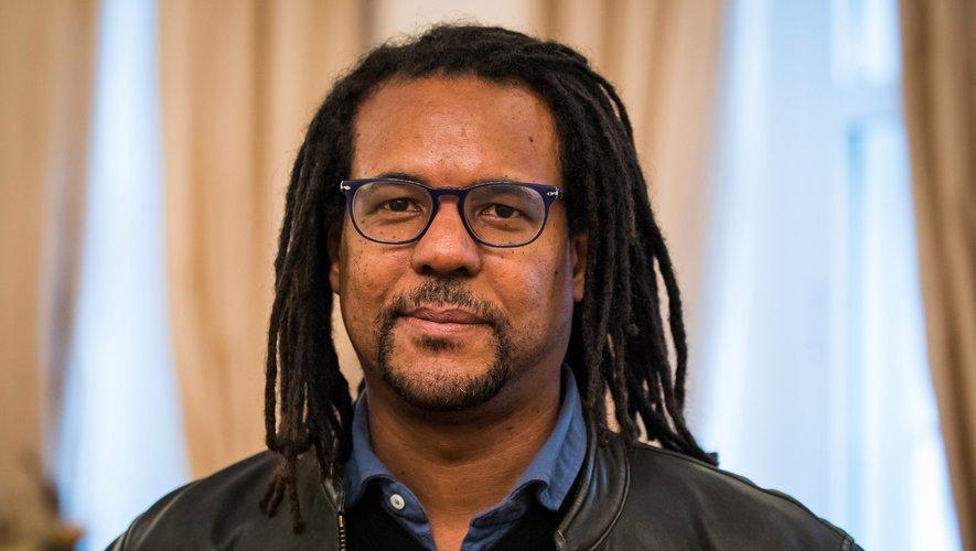 Le romancier afro-américain Colson Whitehead au château Bellevue de Nerlin, le 23 octobre 2017.