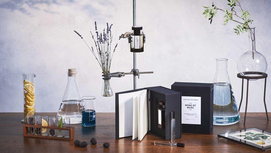 """Le Coffret Edition Anniversaire du parfum """"Mûre et Musc""""par Jean-Claude Ellena de L'Artisan Parfumeur."""