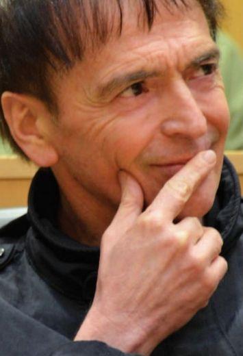 Decazeville : le chanteur d'I Muvrini armé pour la non-violence